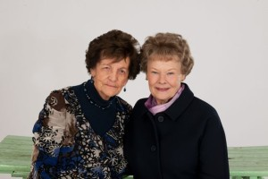 Philomena Lee mit Judi Dench (c) Universum